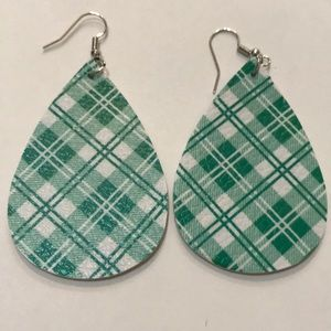 Just in🆕Green & White Plaid Faux Leather Earrings